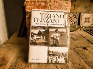 """""""Un mondo che non esiste più"""" by Tiziano Terzani"""