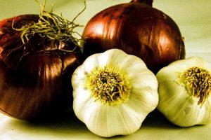 Aglio e cipolle, la salute fatta a verdura